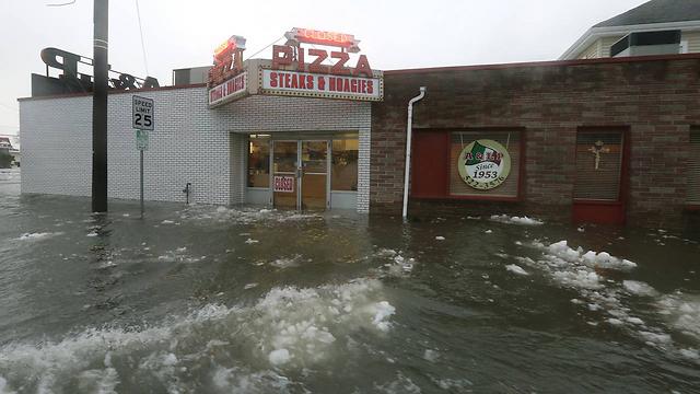 הצפות אדירות בניו ג'רזי (צילום: AP)