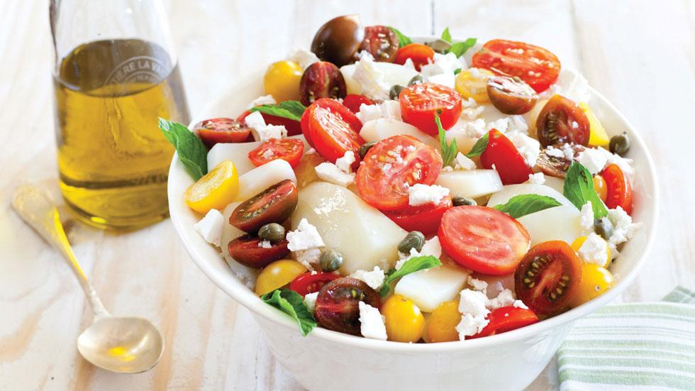 סלט תפוחי אדמה עם עגבניות שרי וגבינת פטה