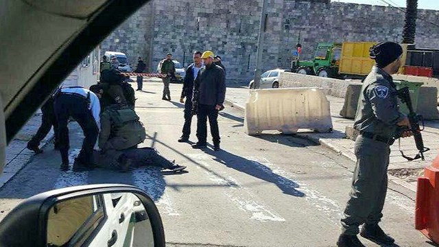 Scene of attempted stabbing attack at Jerusalem's Damascus Gate