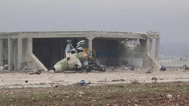 ההרס בשדה התעופה שעליו השתלטו הכורדים ()
