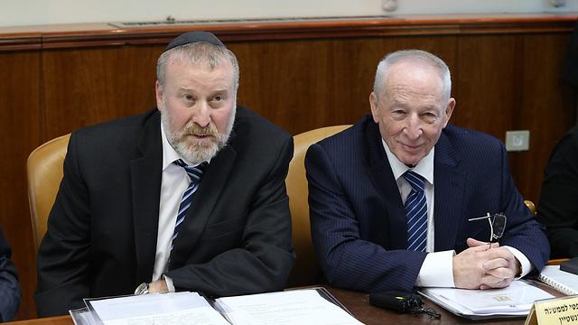 Mandelblit with his predecessor Yehuda Weinstein (Photo: Amit Shabi)