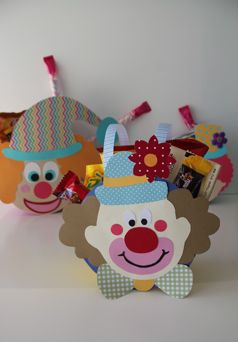 מכניסים ממתקים ומעניקים למי שאוהבים (צילום: ענבל עופר)