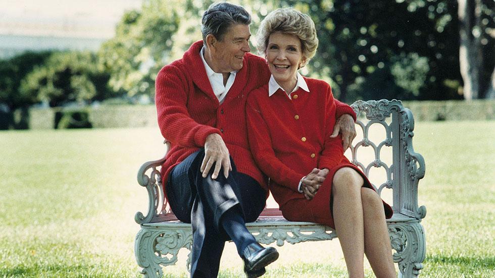 נפרדים מננסי רייגן: הגברת הראשונה של הסגנון האמריקאי