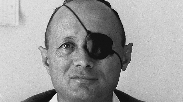 Moshe Dayan. Popular among the public, but not in his party (Photo: Fritz Cohen, GPO)