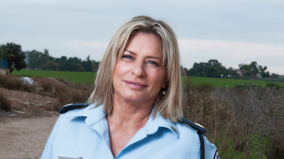 """אלמנת השוטר שנהרג הפכה לשוטרת בעקבותיו: """"הוא בטח היה נורא גא"""