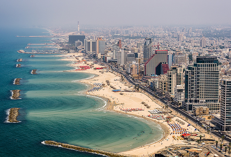 Beaches in Tel Aviv (Photo: Israel Berdugo)