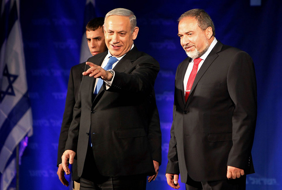 Avigdor Lieberman and Prime Minister Netanyahu (Photo: Reuters)