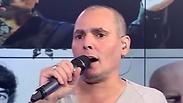 צפו: ישי לוי מרקיד את אולפן ynet