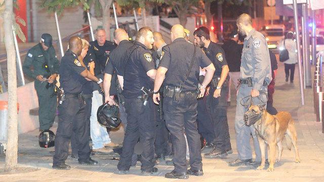 Police at the scene (Photo: Motti Kimchi) (Photo: Motti Kimchi)