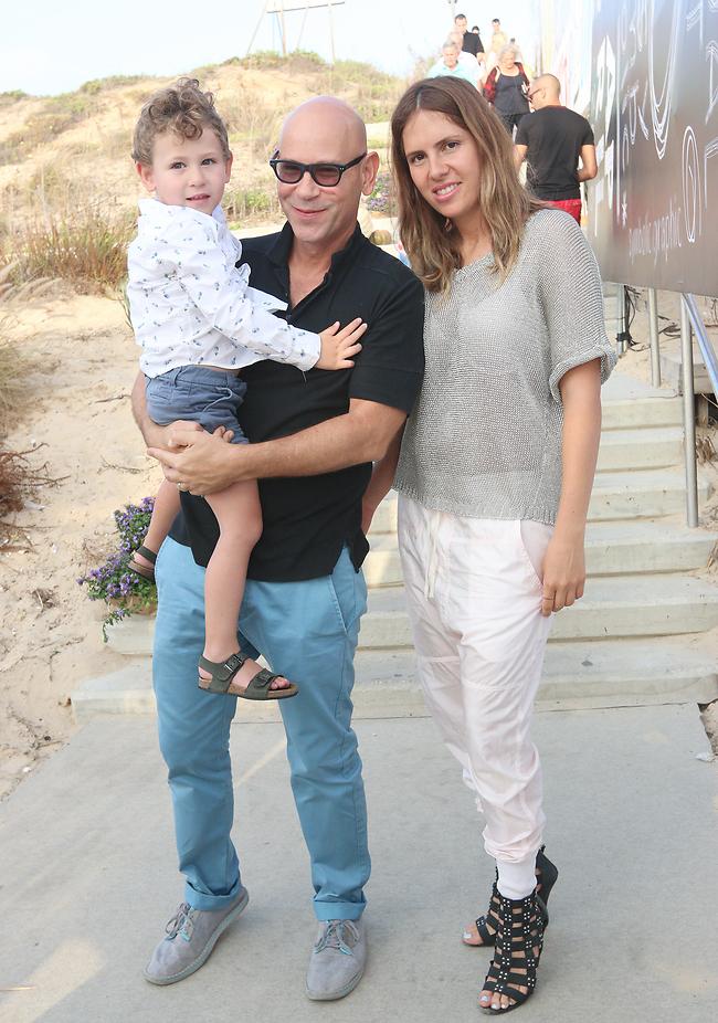 רמי ואלכס עם בנם, תיאו (צילום: ענת מוסברג)