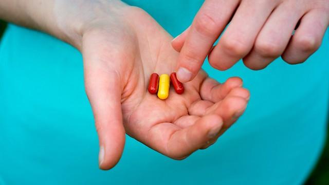 שאריות של התרופות מוצאות דרכן למים שלכם (צילום: shutterstock)