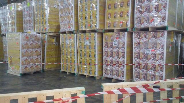 משטחי סחורה במפעל יוניליוור (צילום: בראל אפרים)
