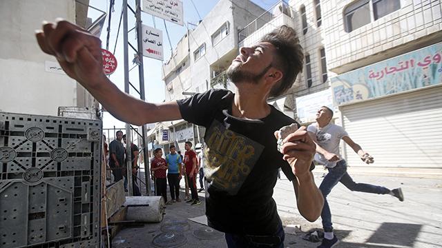 Clashes in Hebron (Photo: EPA) (Photo: EPA)