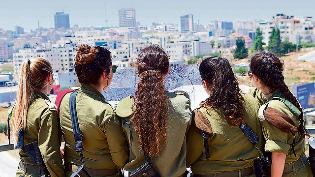 Left to right: P. from the Eztion Brigade, E. from the Ephraim Brigade, R, from the Binyamin Brigade, S. from the Menashe Brigade, and S. from the Yehudo Brigade (Photo: Alex Kolomoisky)