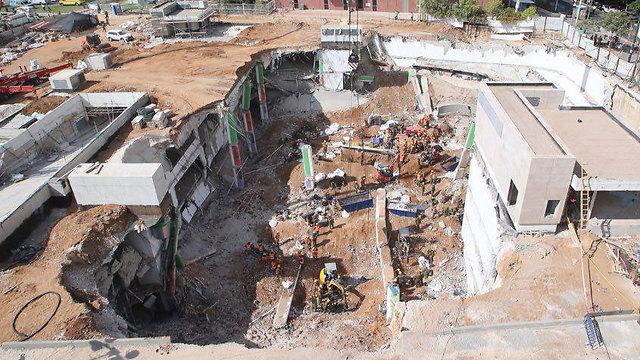 The collapsed construction site (Photo: Motti Kimchi)