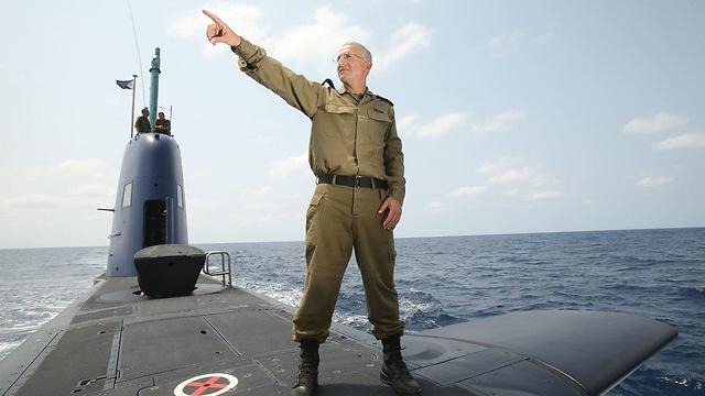 Maj. Gen. Rothberg on Ahi Rahav, one of the submarines the Navy received during his term (Photo: Elad Gershgorn)
