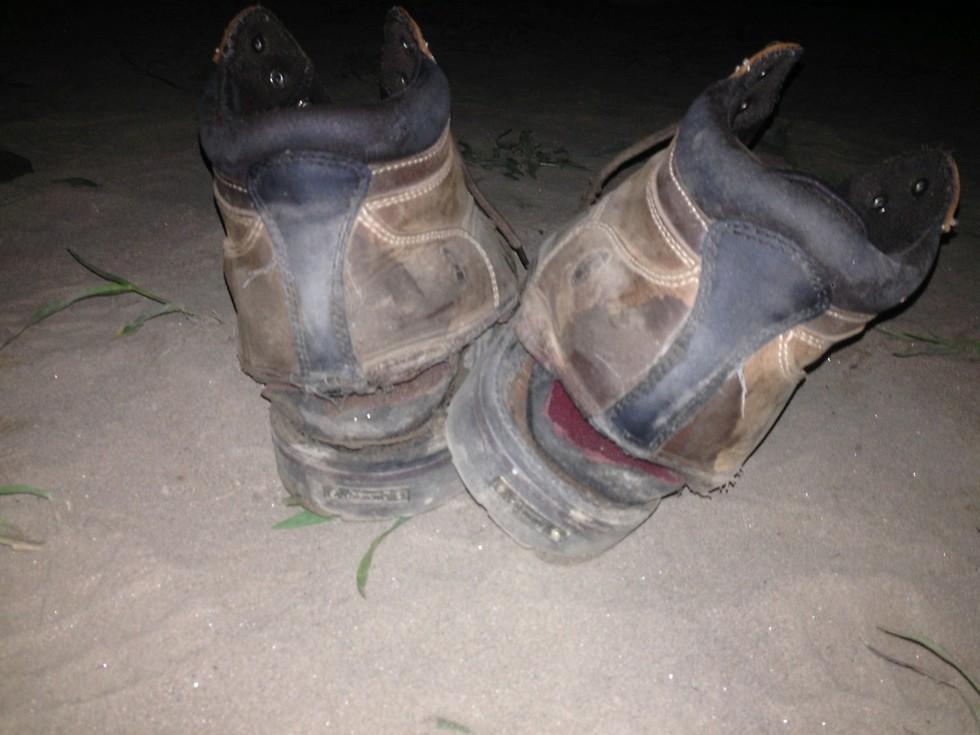 הנעליים הקרועות (צילום: ניר פדרבוש)