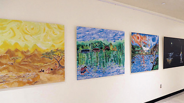 Hadar Goldin's paintings. Can't be avoided (Photo: Kobi Gideon, GPO)