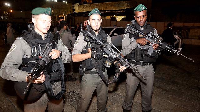 IDF Border Patrol soldiers prepare with extra vigilence for the Jewish tradition of 'Slihot' (Photo: Gil Yohanan)