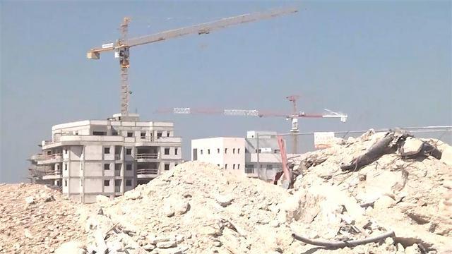 אתר בנייה של חברת אורתם סהר (צילום: ניצן דרור)