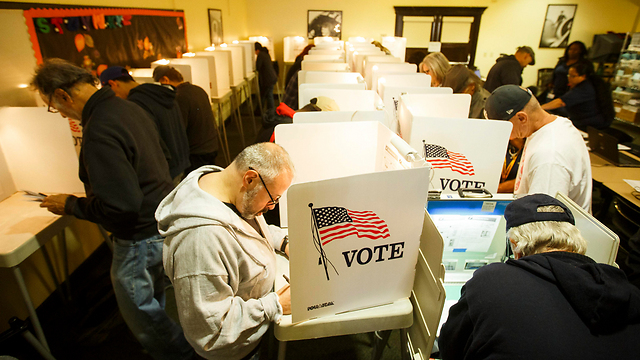 Early voting in north Hollywood (Photo: EPA)
