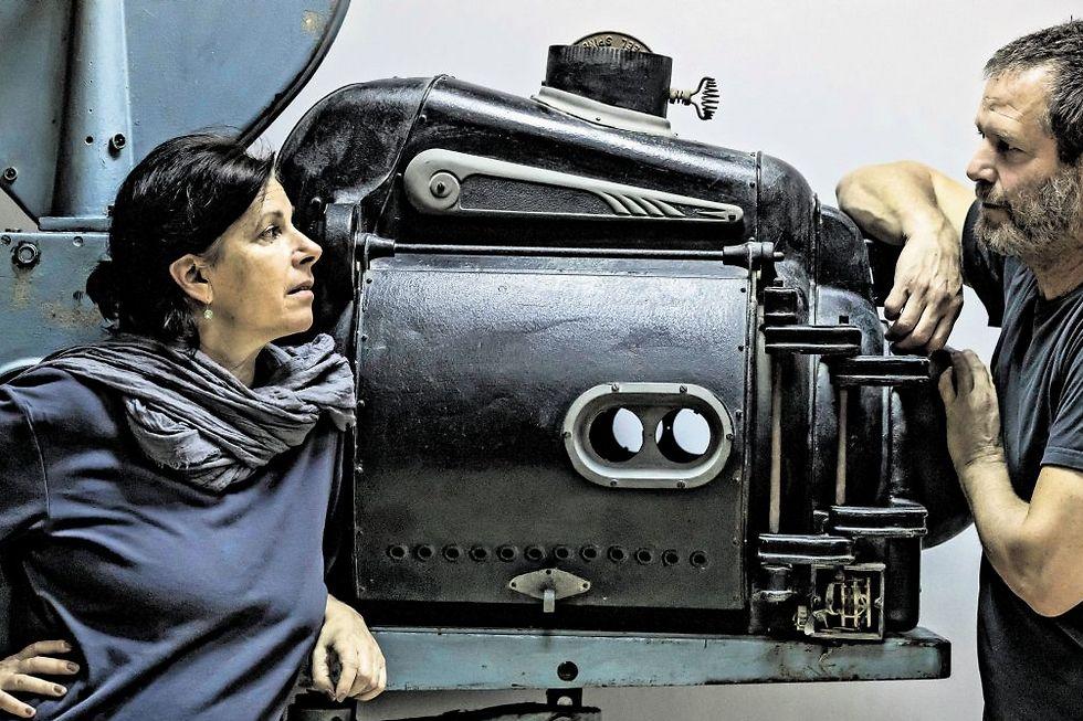 ליאת דרור וניר בן גל - אמנות במקום מפעלים (צילום: צפריר אביוב)