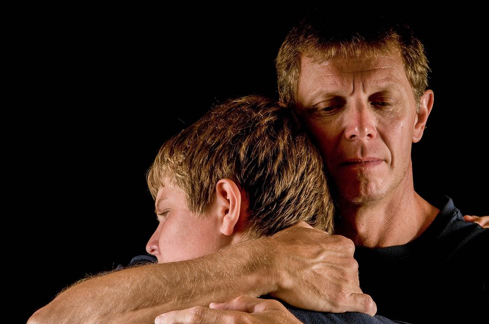 רק אהבת הורים היא אהבה ללא תנאי (צילום: Shutterstock)