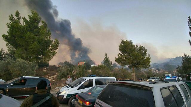 עשן מיתמר באזור נטף (צילום: כבאות והצלה ירושלים)