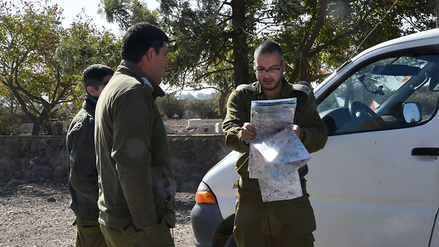 IDF soldiers near the Golan border following the shooting incident (Poto: Avihu Shapira)