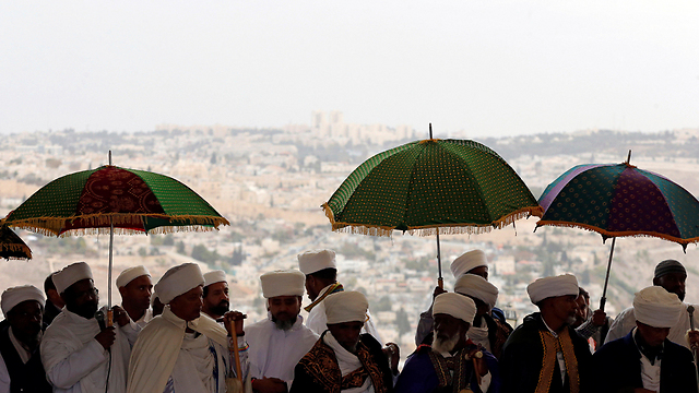 Kessim Israeli-Ethiopian leaders (Photo: Reuters)