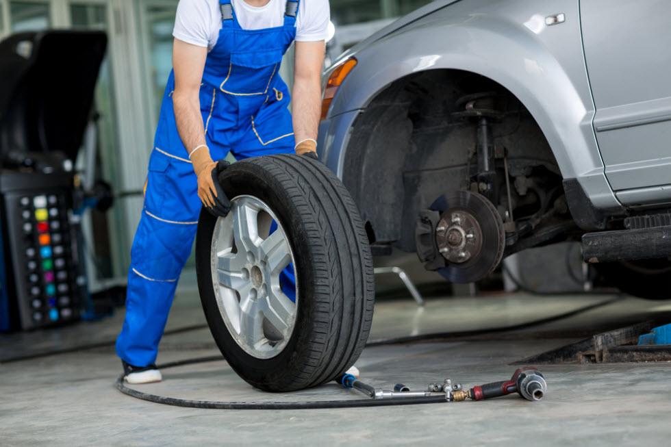 לחץ האוויר הדחוס בצמיגים מספיק כדי לשאת את כל משקל המכונית (צילום: shutterstock)