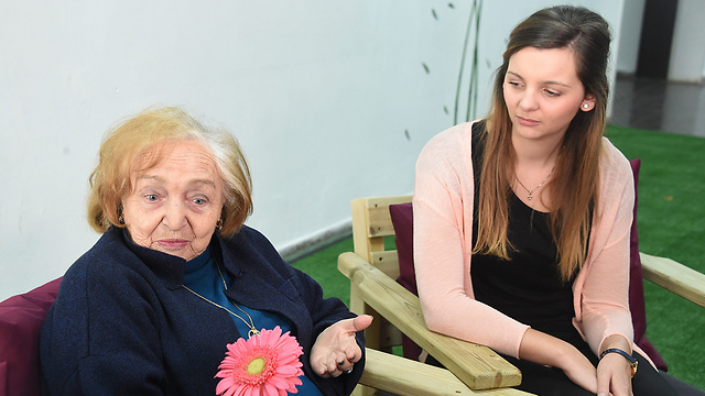 Anna Reiner, a descendant of Nazis, and Holocaust survivor Yevgenya Chaika (Photo: Yair Sagi)