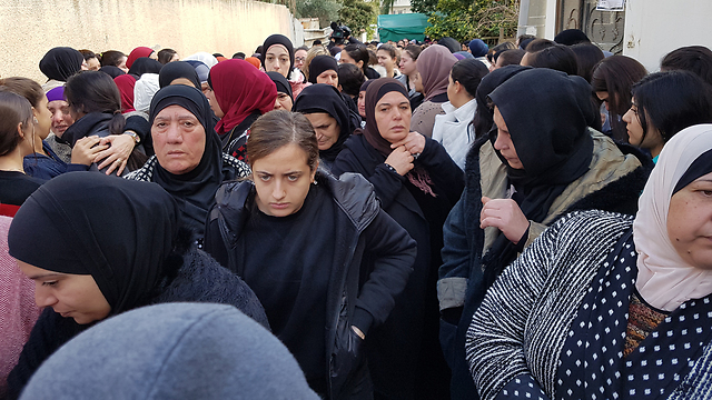 Thousands show up for the funeral in Tira