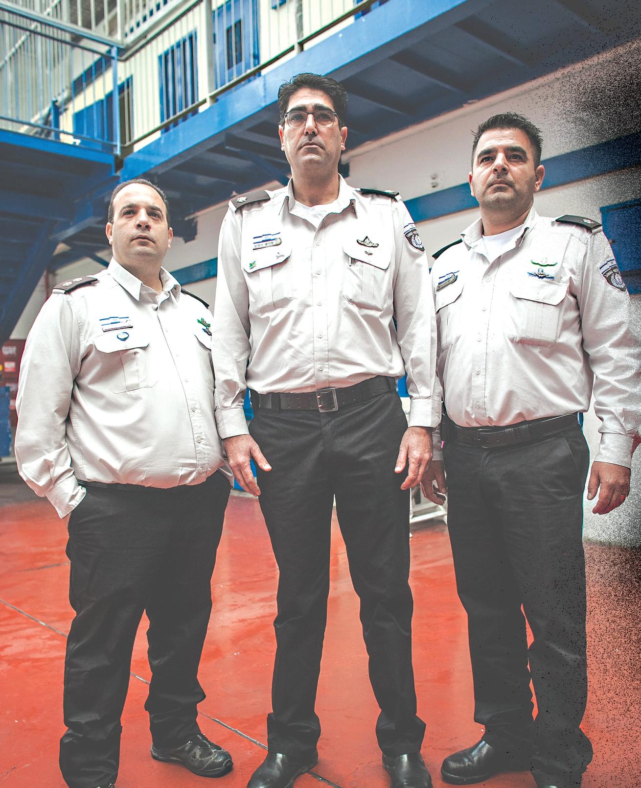 From right: Chief Superintendent Yossi Krispel, Chief Superintendent Nissim Finish and Deputy Commissioner Dudu Vaknin (Photo: Ilan Shapira)