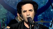 """""""להתפרק? לא היה לנו זמן"""": כנסיית השכל עושה קסמים באולפן ynet"""