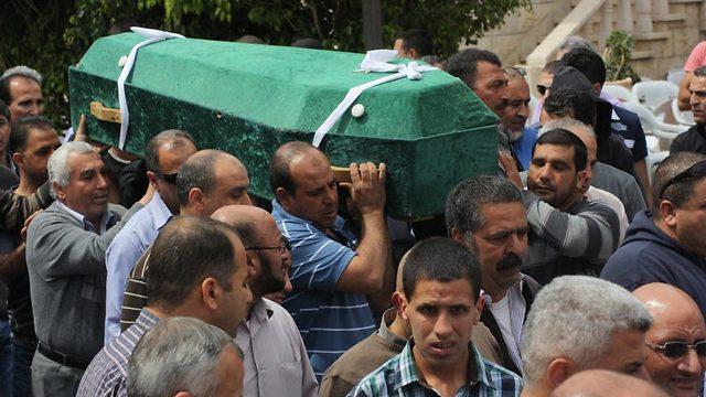 הלוויות ההרוגים באיכסל (צילום: alarab.net)