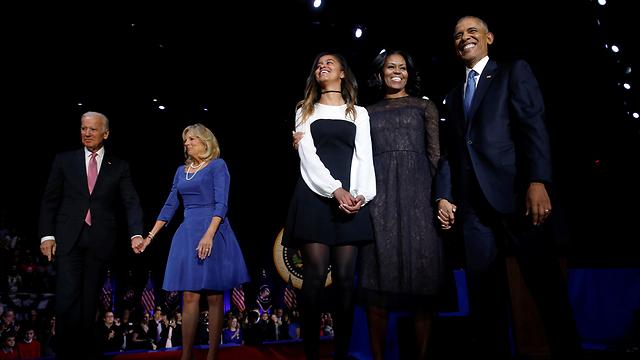 זמן להיפרד. ברק, מישל ומליה אובמה עם בני הזוג ביידן ג'ון וג'יל (צילום: רויטרס)