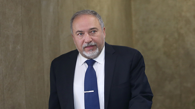Minister of Defense Avigdor Lieberman (Photo: Alex Kolomoisky) (Photo: Alex Kolomoisky)