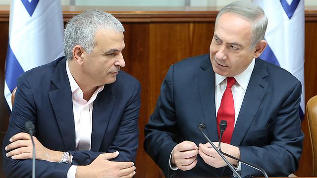 Netanyahu and Kahlon (Photo: Alex Kolomoisky) (Photo: Alex Kolomoisky)