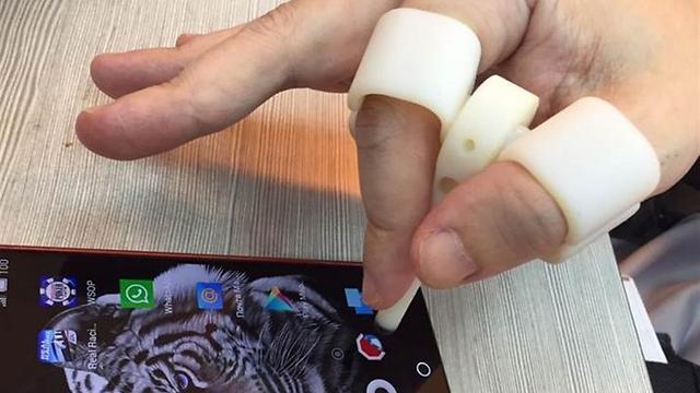 Приспособление для человека без пальца - для работы на планшете