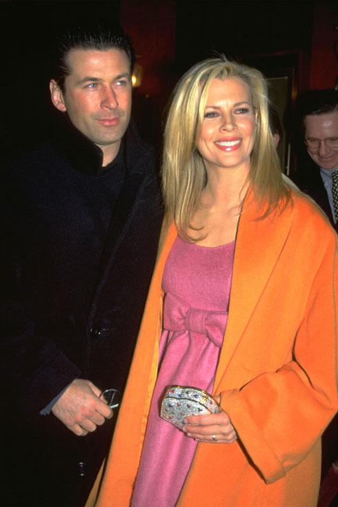 עם הבעל לשעבר, אלק בולדווין, ב-1999 (צילום: Gettyimages)