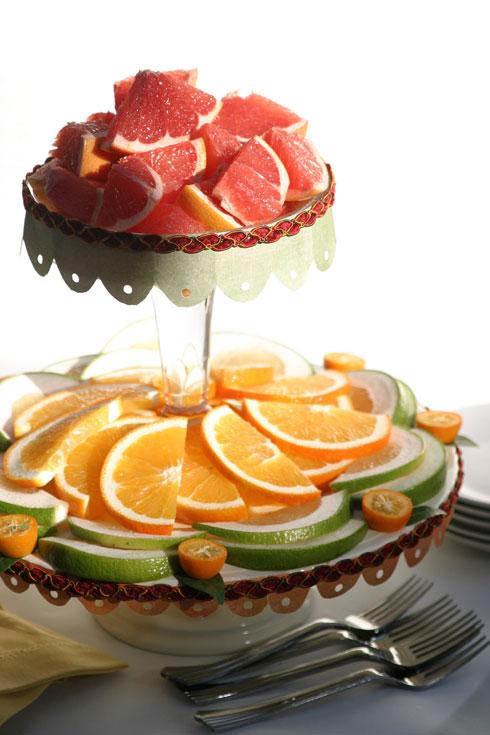 פירות הדר פרוסים. גם צבעוני וגם טעים (צילום: אורית זילברמן)