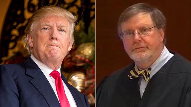 """טראמפ והשופט רובארט שהקפיא את הצו שלו. """"שופט-לכאורה, החלטה מגוחכת"""" (צילום: AFP, United States Courts, AP)"""