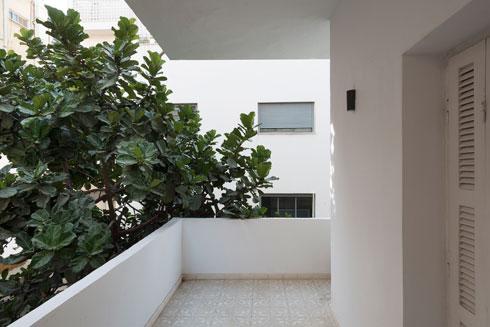 לכל החדרים יציאה למרפסת היקפית (צילום: גדעון לוין)