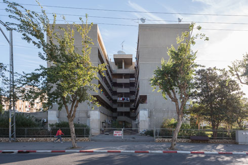 אדריכלות מודרניסטית ברמת יוסף. שכונה שהיא יחידה עירונית נפרדת (צילום: ליאור גרודמן)