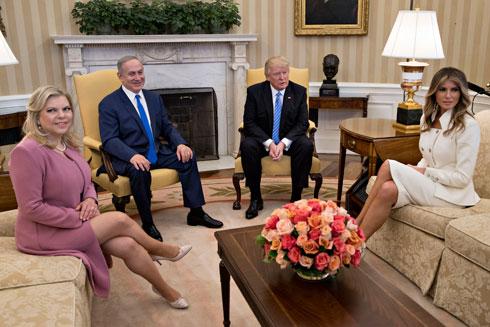 """""""הוורוד ששרה בחרה הוא מדויק. הוורוד הוא האדום החדש! גם החליפה הוורודה של ג'קי קנדי בהחלט עמדה לנגד עיניי"""", אומר כהן (צילום: Gettyimages)"""
