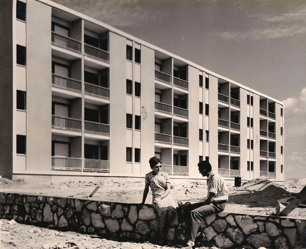 וכך נראו הבניינים בשנות ה-50, הרבה לפני שהוזנחו ברבות השנים (צילום: באדיבות ארכיון עיריית בת ים)