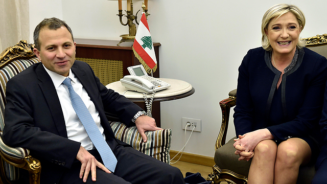 Le Pen with Lebanese Minister of Foreign Affairs Gebran Bassil (Photo: EPA)