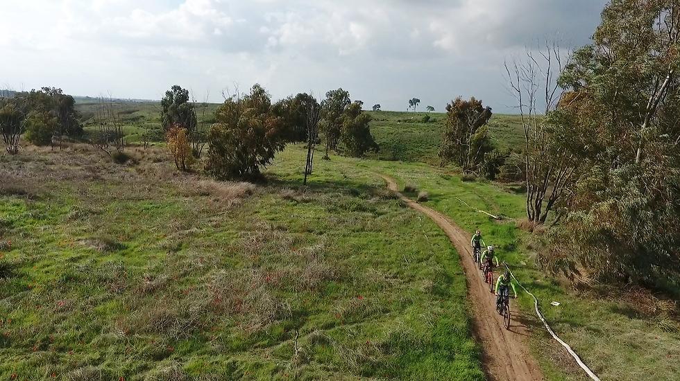 קיבוץ בארי (צילום: אלי סגל)