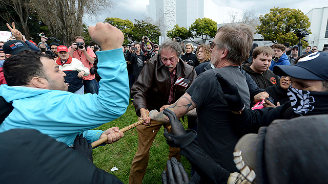 Clashes in Berkeley (Photo: AP)